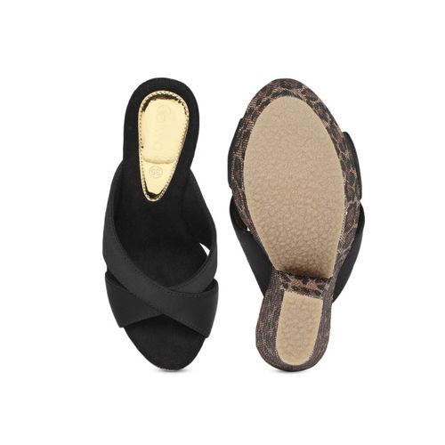 Catwalk Women Black Solid Platform Sandals