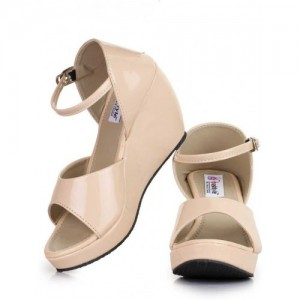 Fashtyle Beige Patent Leather Solid Sandals