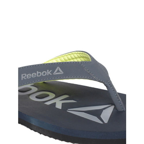 Reebok Men Charcoal Grey & Black Embossed Print Thong Flip-Flops