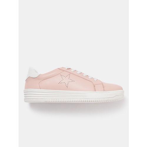 e86900d27 Buy Kook N Keech Women Peach-Coloured Sneakers online