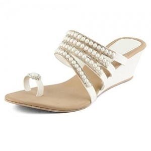 Cute FashionGlossy White Wedges Chappals