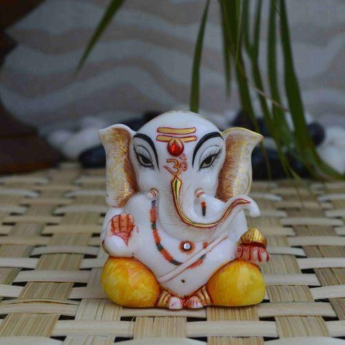 eCraftIndia Pleasing Lord Ganpati Statue Decorative Showpiece - 6.35 cm(Microfibre, Multicolor)