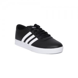 watch c6e76 2f5cf Adidas Originals Men Black Easy VULC 2.0 Skateboard Sneakers