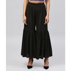 Nayo Flared Women Black Trousers