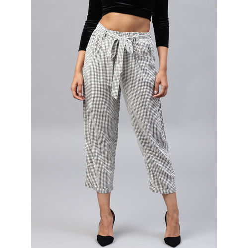 Nayo Women Black & White Regular Fit Checked Cropped Trousers