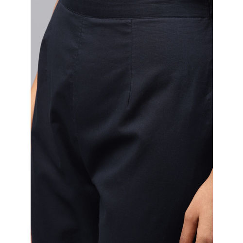 Nayo Women Navy Blue Regular Fit Solid Cropped Trousers