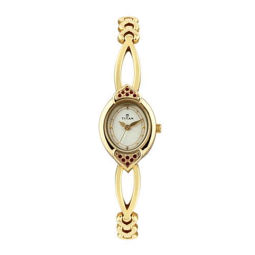 Titan Women Gold-Toned Dial Watch NE2468YM05