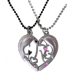 a220a0aae6 Modish Look Beautiful Dolphin Love Magnetic Couple Valentine Lockets with  Beaded Chain