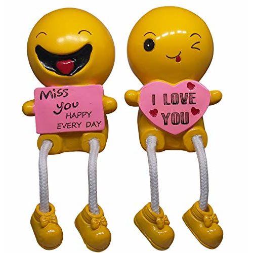 Saugat Traders Cute Romantic Love Couple Showpiece