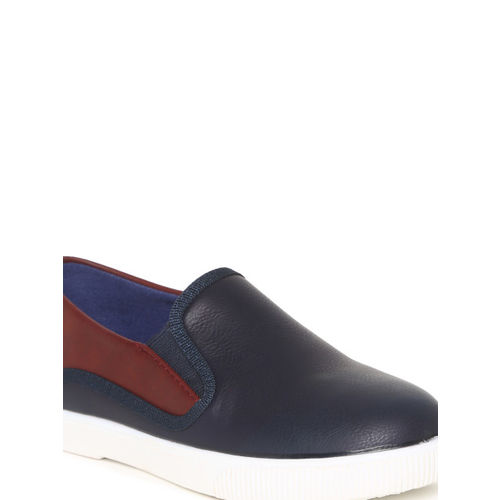 Fame Forever by Lifestyle Boys Navy Blue & Brown Slip-On Sneakers