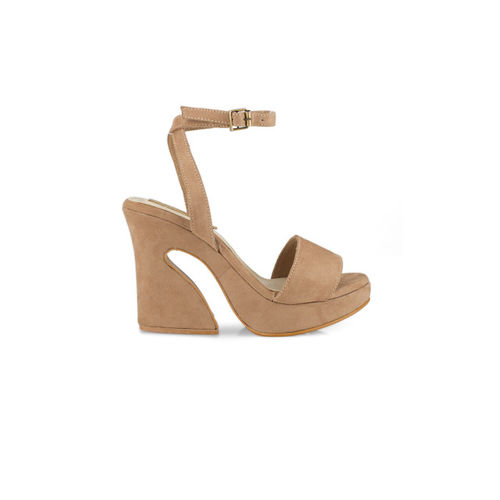 Signature Sole Women Brown Solid Wedges