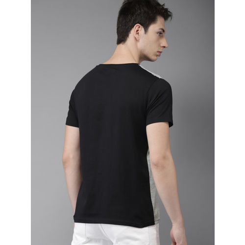 HERE&NOW Men Grey & Black Striped Round Neck T-shirt