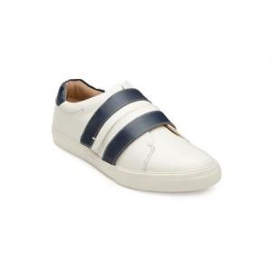 269622ccc75 Buy Wrogn WROGN Men Navy Blue Driving Shoes online