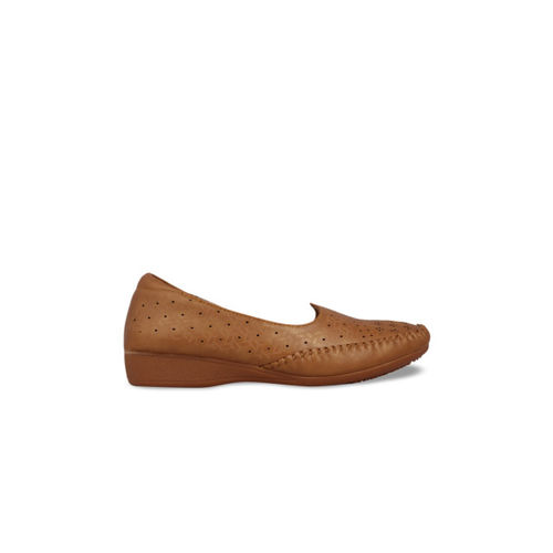 pelle albero Women Brown Solid Synthetic Ballerinas