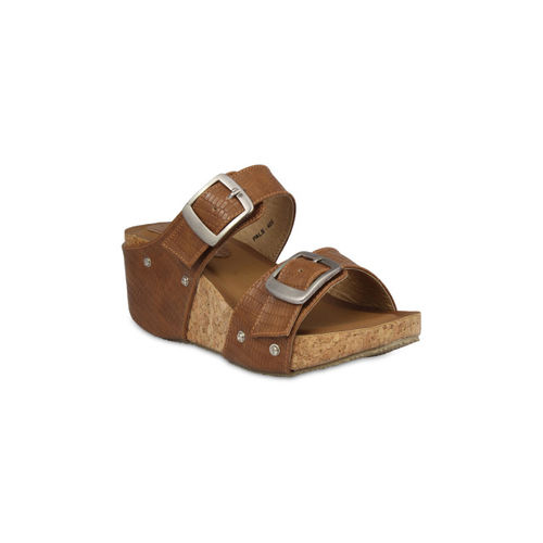 Pelle Albero Women Brown Solid Wedges