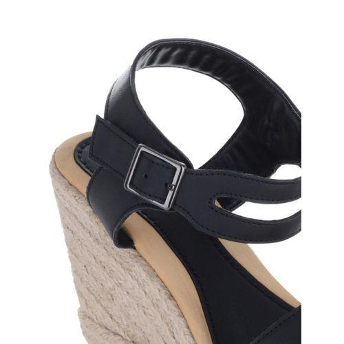 Sherrif Shoes Women Black Solid Sandals