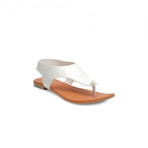 Nell Women White Solid Flats