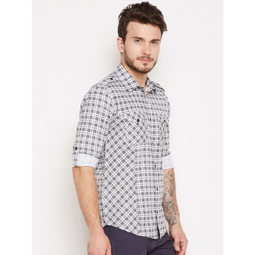 Oxolloxo Men Off-White & Grey Regular Fit Checked Casual Shirt