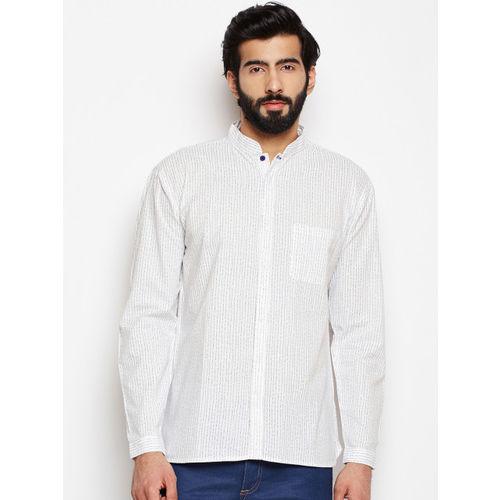 Oxolloxo Men Black Regular Fit Striped Casual Shirt