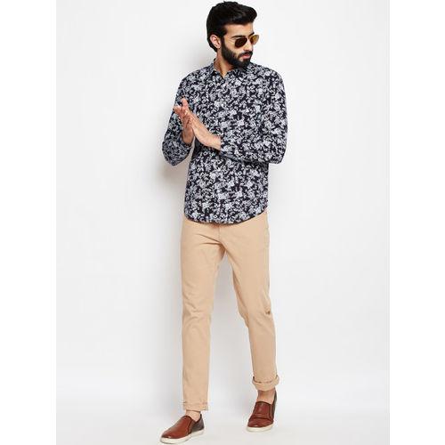 Oxolloxo Men Black Regular Fit Floral Printed Casual Shirt
