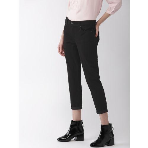 Levis Women Black Boyfriend Fit Mid-Rise Clean Look Stretchable Jeans