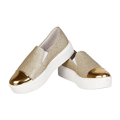 Zapatoz Golden Mesh Slip-On Casual Shoes