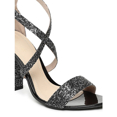 Catwalk Women Grey Melange Embellished Sandals