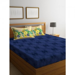 Portico New York Blue Geometric Fitted 144 TC Cotton 1 Queen Bedsheet with 2 Pillow Covers