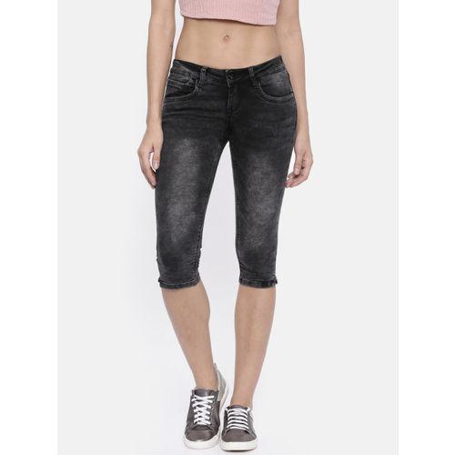 Deal Jeans Women Black Solid Regular Fit Capris