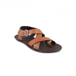 074a4ca13254 Buy latest Men s Sandals   Floaters from Mochi online in India - Top ...