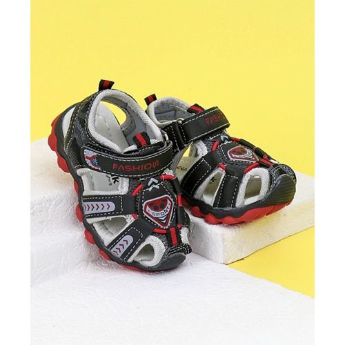 Cute Walk By Babyhug Closed Toe Sandals Fashion Print - Red