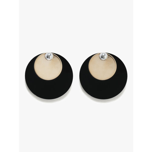 E2O Fashion Stud Earrings With Black Circular Base