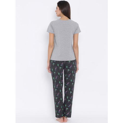 Clovia Women Grey Melange & Charcoal Printed Night suit LS0328P05XL