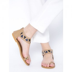 20Dresses Beige Synthetic Solid One Toe Flats