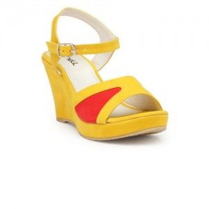 Nell Women Yellow Solid Sandals