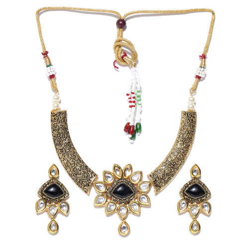 Priyaasi Antique Gold-Toned & Black Kundan Stone-Studded Jewellery Set