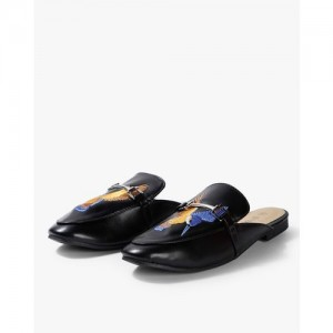 8097576b55c37 Ginger by Lifestyle Women Black Solid Mules