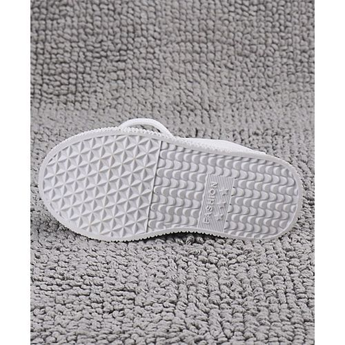 Kidlingss White Pearl Embellished Lace-Up Shoes