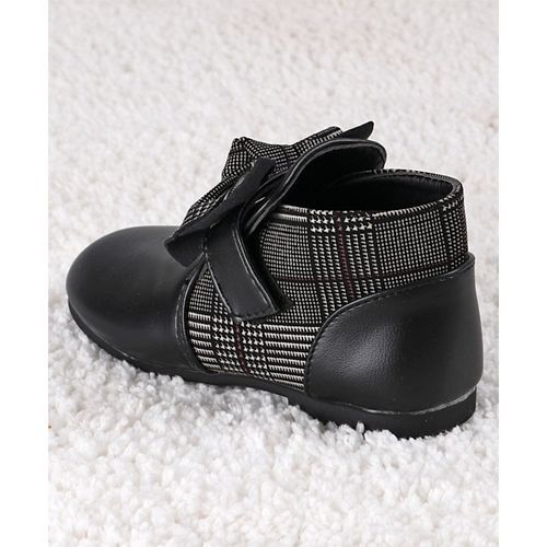 Kidlingss Black Bow Applique Boots