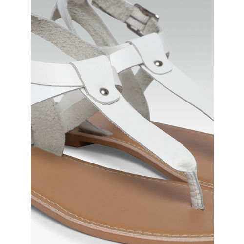 Steve Madden Women White Solid Leather T-Strap Flats