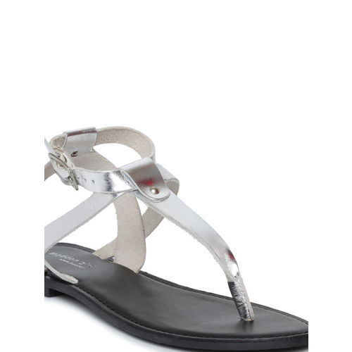 Steve Madden Women Silver-Toned Solid T-Strap Flats
