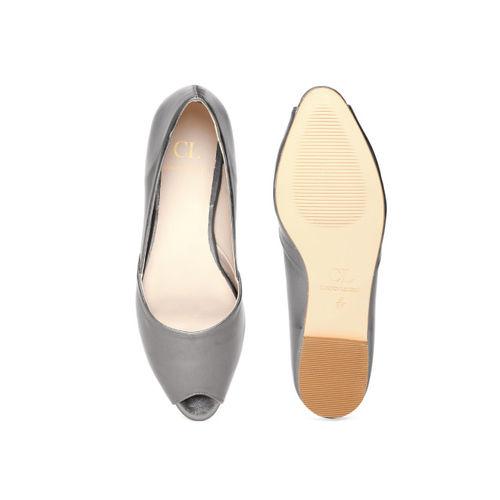 Carlton London Women Gunmetal-Toned Solid Flats