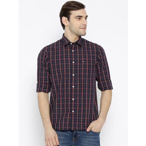 Arrow Sport Men Navy Blue & Red Slim Fit Checked Casual Shirt