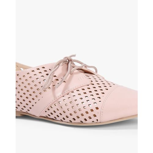 AJIO Laser-Cut Pointed-Toe Derby Shoes