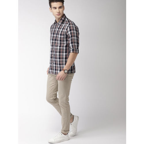Arrow Sport Men Red & White Slim Fit Checked Casual Shirt