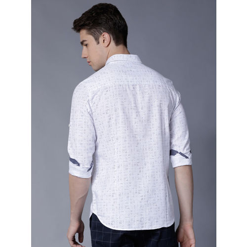 LOCOMOTIVE Men White & Navy Blue Slim Fit Printed Casual Shirt