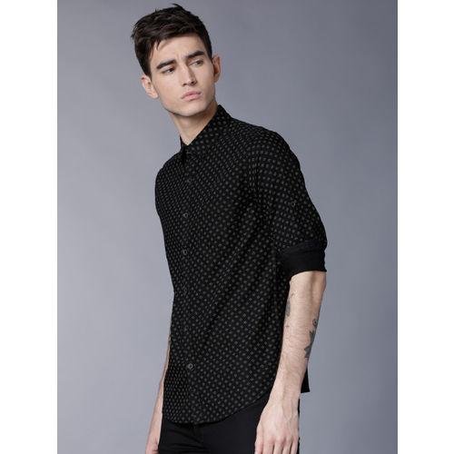 LOCOMOTIVE Men Black Slim Fit Printed Casual Shirt