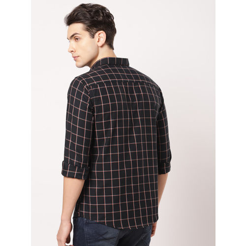 ether Men Black & Red Regular Fit Checked Casual Shirt
