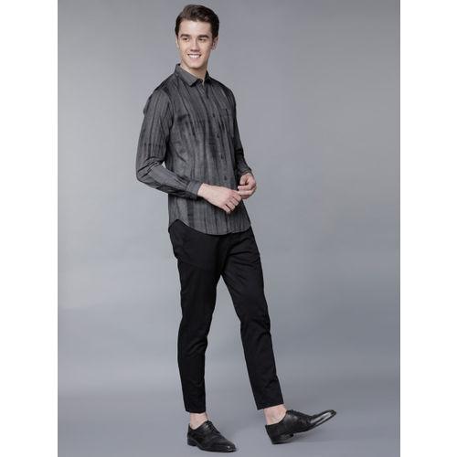 LOCOMOTIVE Men Black & Grey Slim Fit Printed Casual Shirt