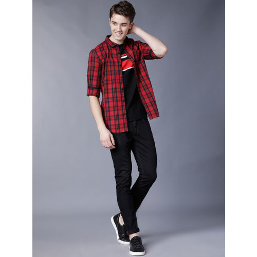 HIGHLANDER Men Red & Black Slim Fit Checked Casual Shirt